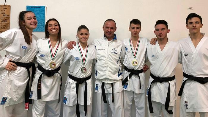 """KARATE : La A.S.D. """"LEONE"""" incoronata migliore società sportiva di Karate di Foggia e della Cap …"""